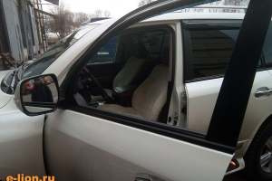 Toyota Land Cruiser-200, меховые чехлы, смонтированы и готовы!